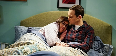 The Big Bang Theory : Mayim Bialik a été surprise par le coït d'Amy et Sheldon